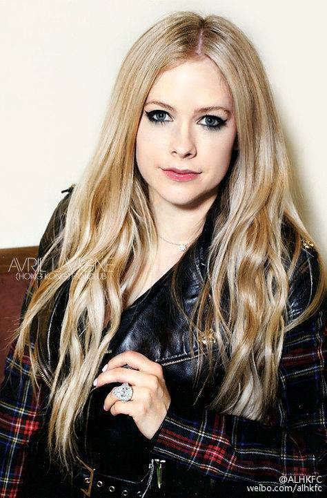essay on avril lavigne Avril lavigne has launched a five-week campaign to raise money for children and young adults who suffer from lyme disease the when you're gone hit maker did so through her foundation, which she.
